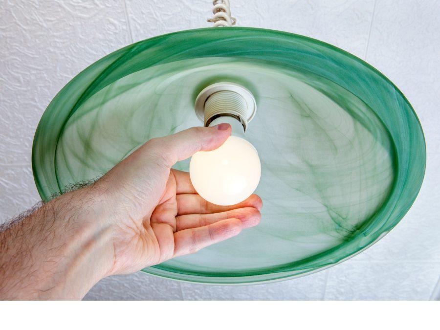 ¿Cómo ahorrar luz y reducir la factura?