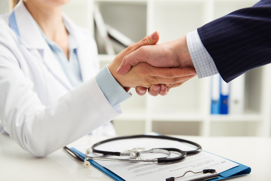 ¿Por qué deberías contar con seguro médico?