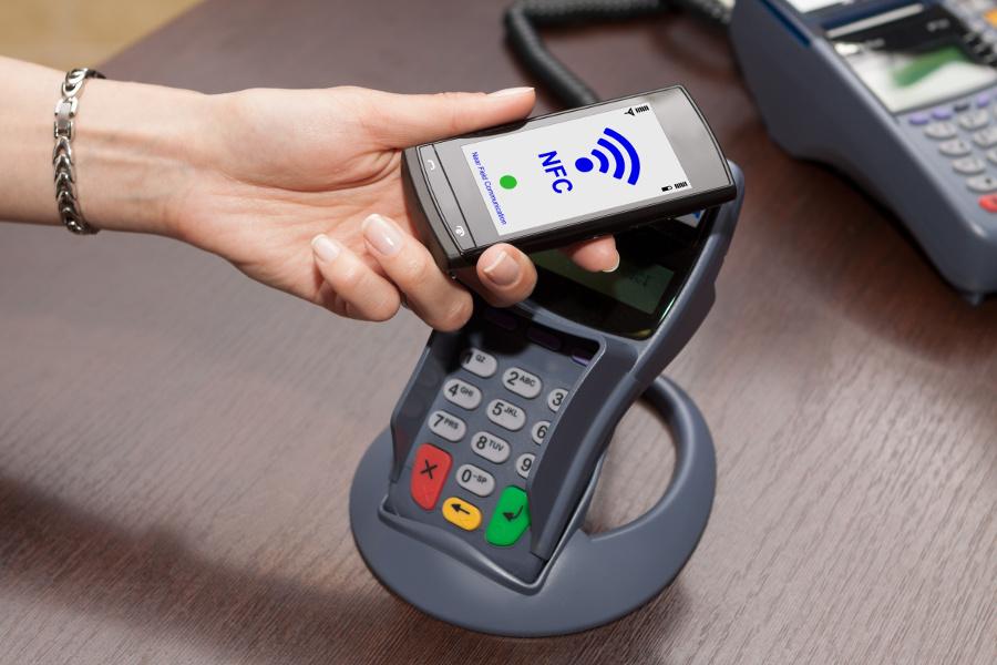 Cómo ahorrar dinero con la tecnología NFC pagando con el móvil