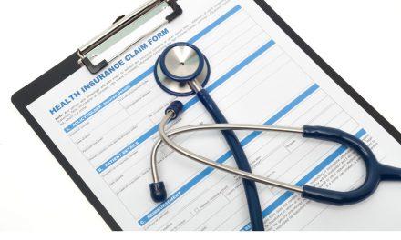 ¿Cómo funcionan los seguros médicos de reembolso?