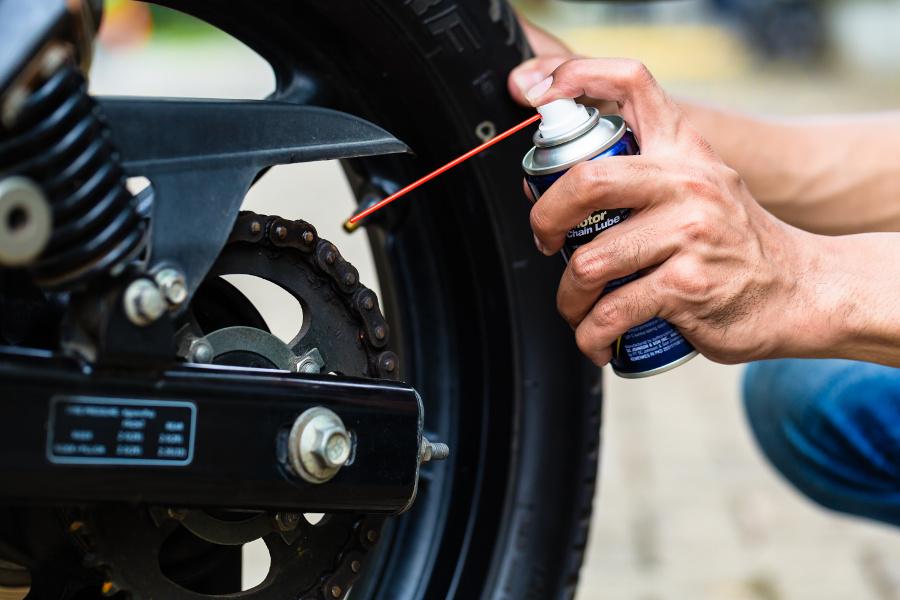 Descubre las maneras de ahorrar dinero en el mantenimiento de tu moto