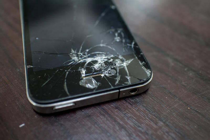 ¿Cómo puedes ahorrar contratando un seguro para móvil?